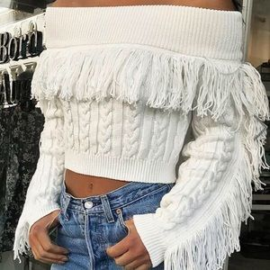 🔥Off the shoulders sweater White NWT M🔥
